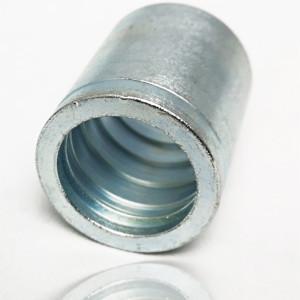 Jupe à sertir pour flexible thermoplastique